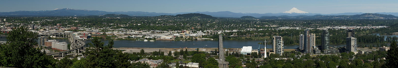 Portland panorama by Sam Churchill.jpg